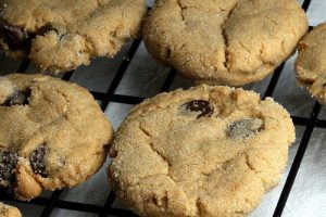 {Friday Friendzy} Peanut Butter Chocolate Chip Cookies