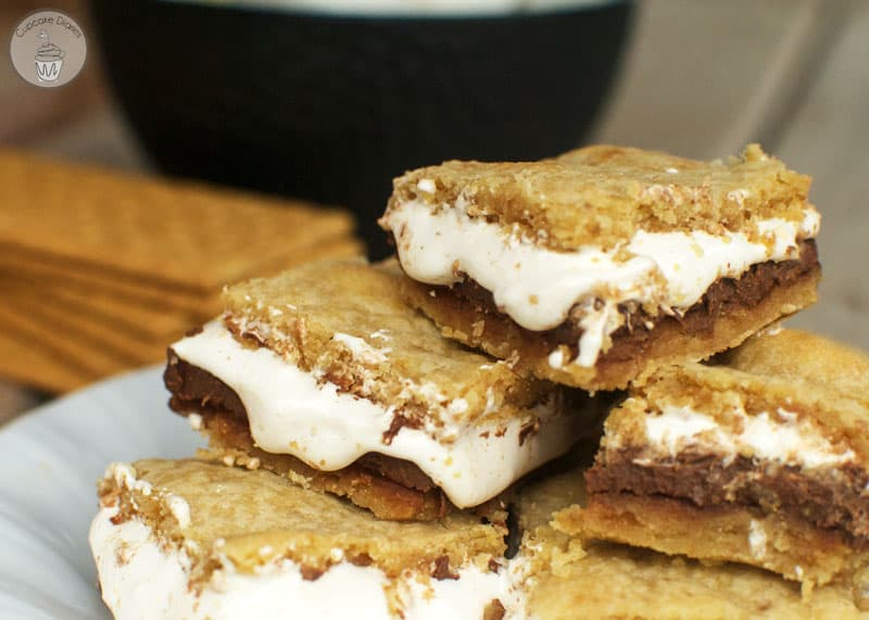 S'more Bars - Cookie bars layered with thick chocolate and gooey marshmallow. So good!