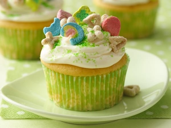 Lucky Charms Cupcakes @ Betty Crocker