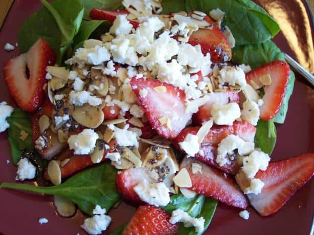 Spinach and Strawberry Salad - Cupcake Diaries