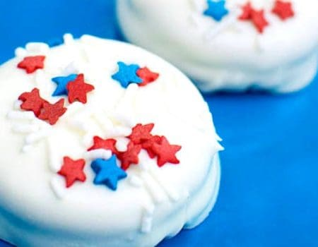 Fourth of July Chocolate Dipped Oreos