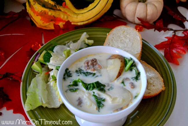 Olive-Garden-Zuppa-Toscana-in-a-bowl