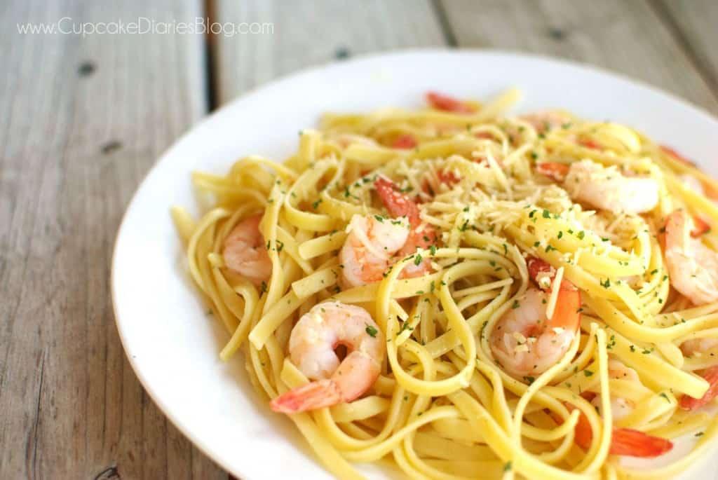 easy-shrimp-scampi-plate