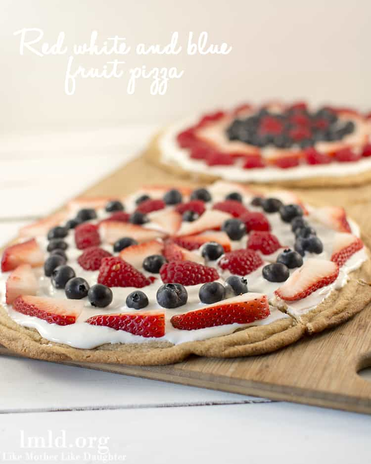 red-white-blue-fruit-pizza