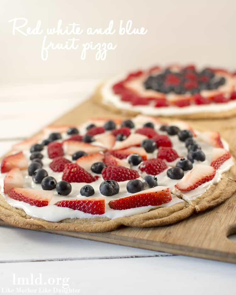 red-white-blue-fruit-pizza