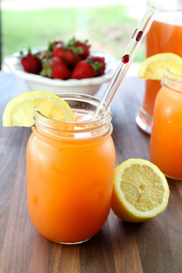 Summer-Berry-Punch-Recipe-from-Miss-in-the-Kitchen