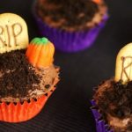 Graveyard Cupcakes {30 Days of Halloween – Day 1}