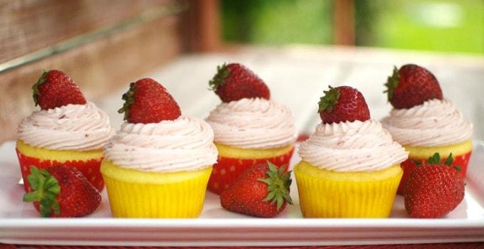 strawberry-lemon-cupcakes-2-header