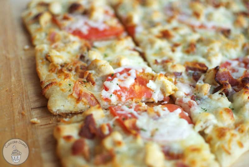 Chicken Bacon Ranch Pizza - An easy and delicious pizza recipe for family dinner!