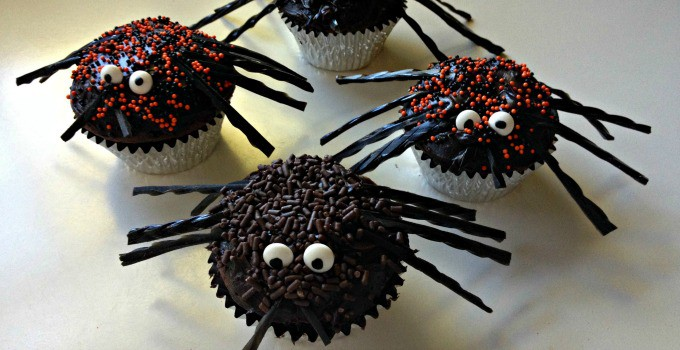 Spooky Spider Cupcakes {30 Days of Halloween – Day 26}