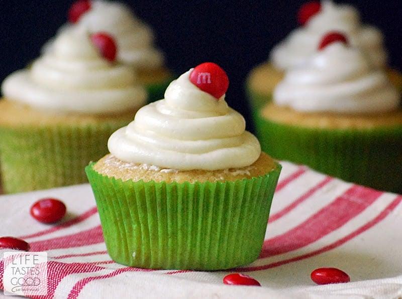applesauce-cupcakes-h698