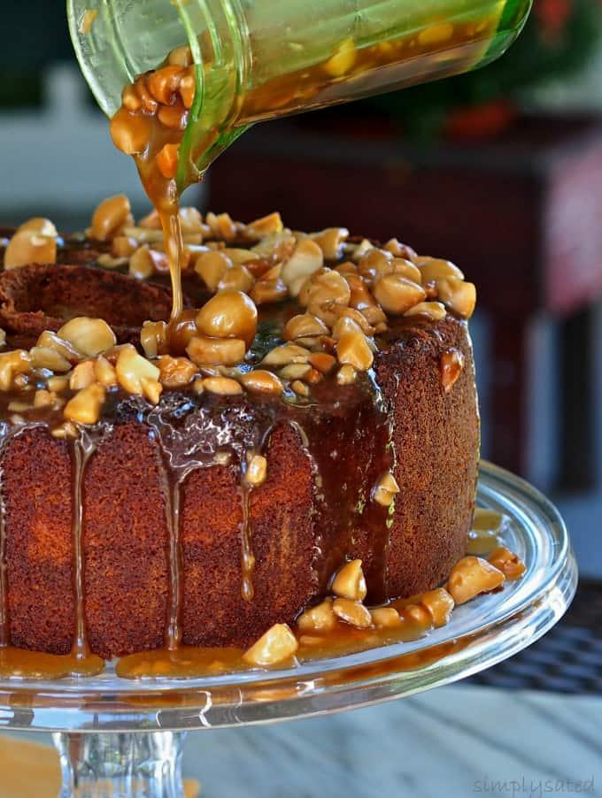 Caramel-Macadamia-Nut-Pound-Cake-22a-1-P9130022