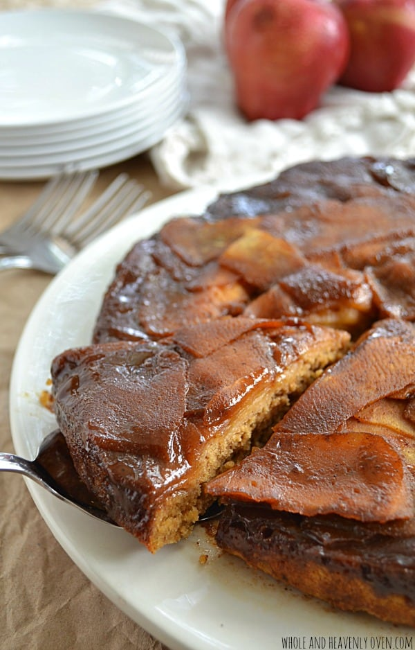 Sticky-Caramel-Apple-Upside-Down-Cake