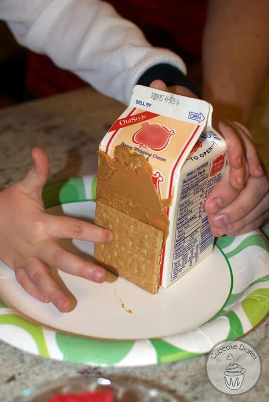 graham-cracker-houses-5