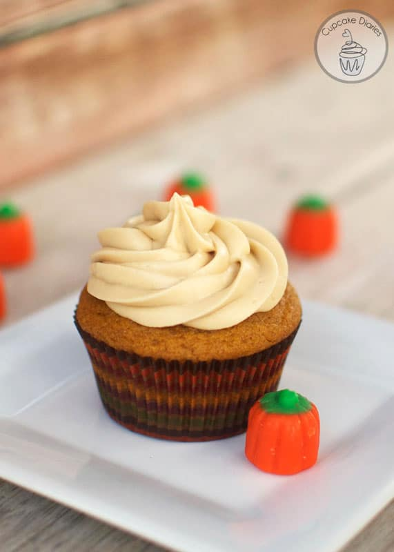 Pumpkin Cupcakes with Maple Cream Cheese Frosting - Cupcake Diaries