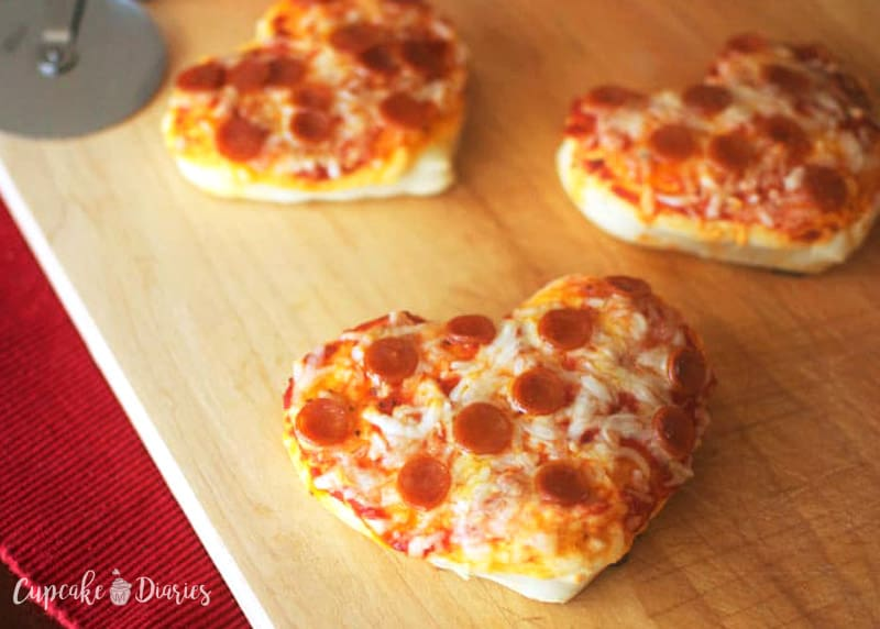 Mini Heart Pizzas - A fun dinner idea for Valentine's Day!