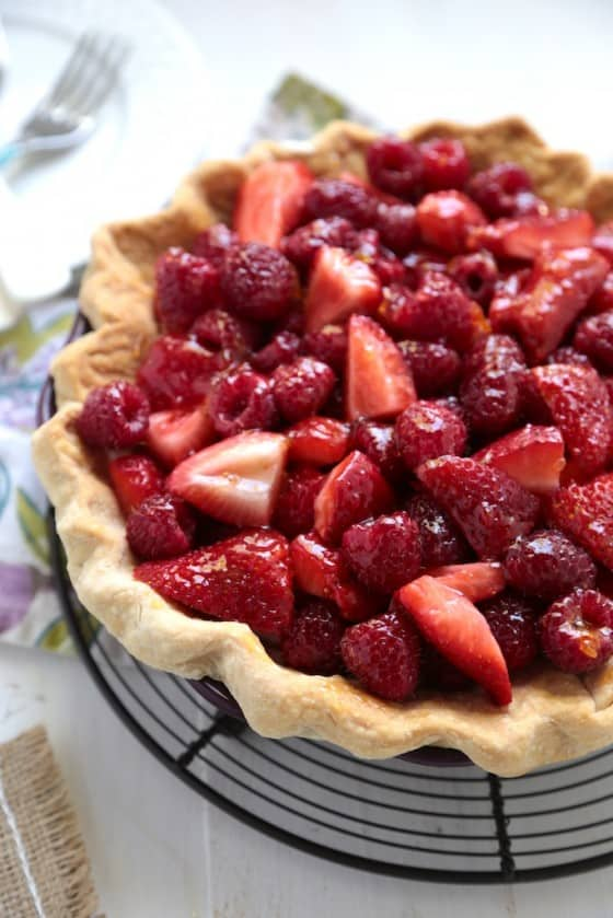 No Bake Sour Cream Berry Pie