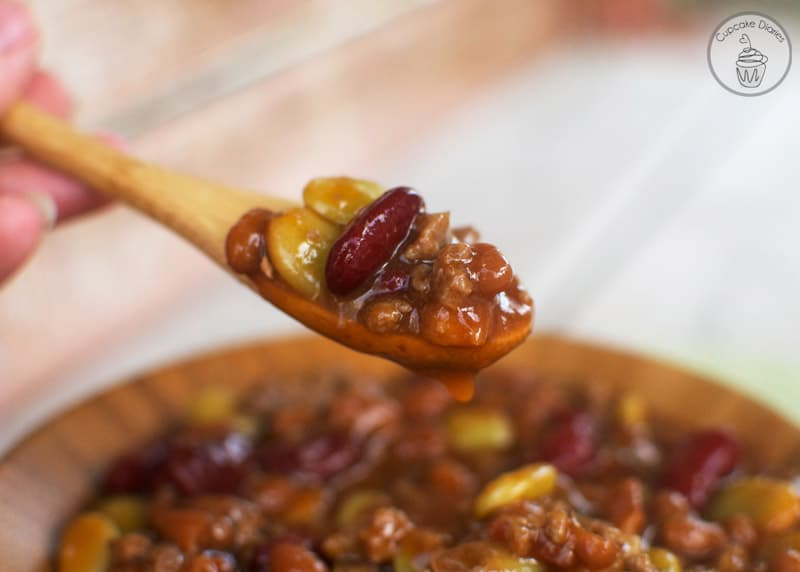 Calico Beans - A perfect side dish for family dinner or summer bbq! #CansGetYouCooking