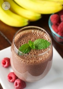 Chocolate-Raspberry-Banana Breakfast Drink - A creamy, low cal breakfast drink full of rich chocolate flavor with bursts of raspberry and banana. An easy and convenient breakfast drink to satisfy morning hunger! #50YearsofBreakfast #ad