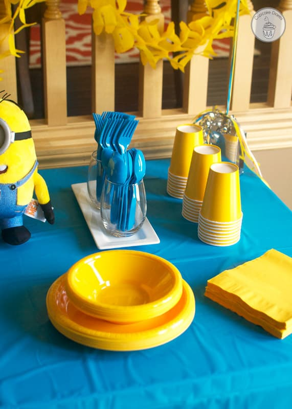 minion birthday party with free printables. Black Bedroom Furniture Sets. Home Design Ideas