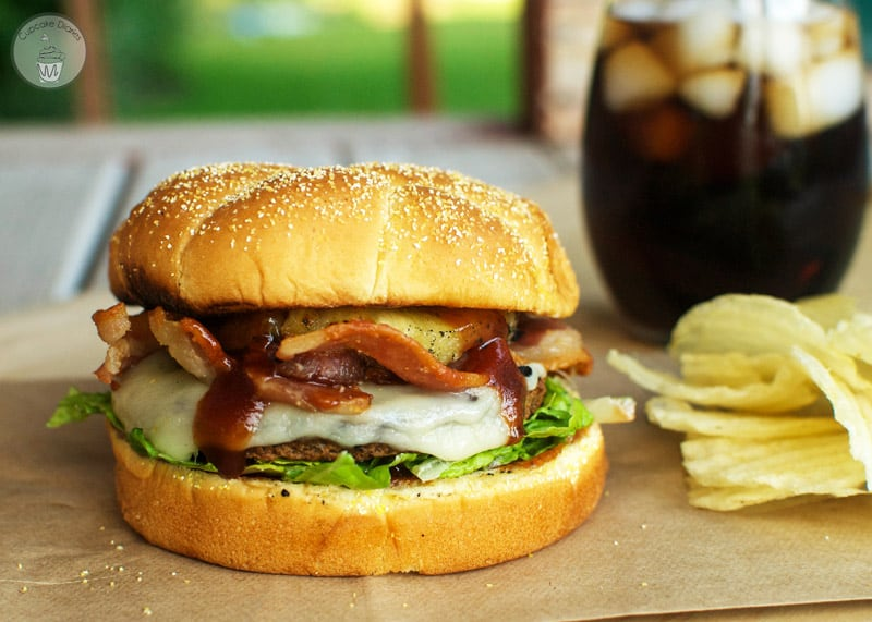 Aloha Burger - A juicy burger exploding with BBQ and pineapple flavors! #GrillWithATwist #ad @Target