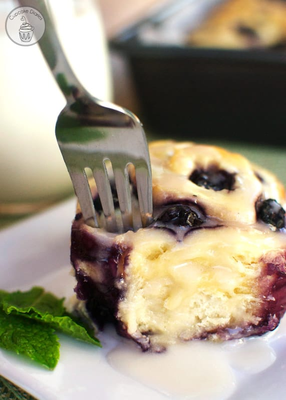 Blueberry Sweet Rolls with Lemon Glaze - The perfect treat for Sunday breakfast!