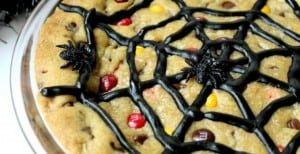 Spiderweb Cookie Cake: 30 Days of Halloween – Day 24