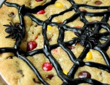 Spiderweb Cookie Cake: 30 Days of Halloween – Day 24