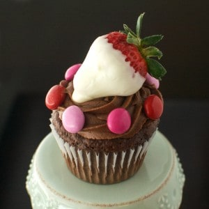 Chocolate Strawberry Cupcakes - A perfect treat for Valentine's Day!