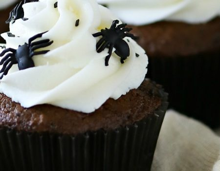 Creepy Spider Cupcakes – 30 Days of Halloween 2016: Day 22
