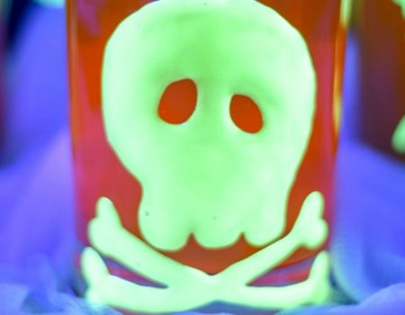 Glow-In-The-Dark Halloween Cilngs