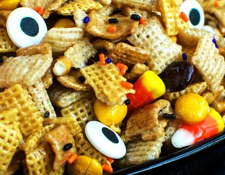Halloween Chex Treat