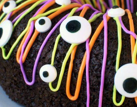Monster Bundt Cake – 30 Days of Halloween 2016: Day 21