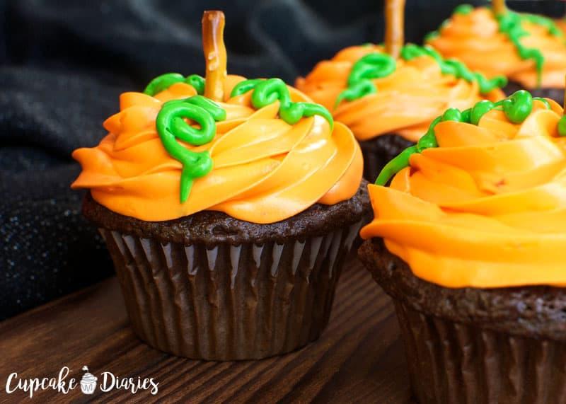 Pumpkin Cupcake Cake