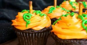 Pumpkin Patch Cupcakes – 30 Days of Halloween 2016: Day 14