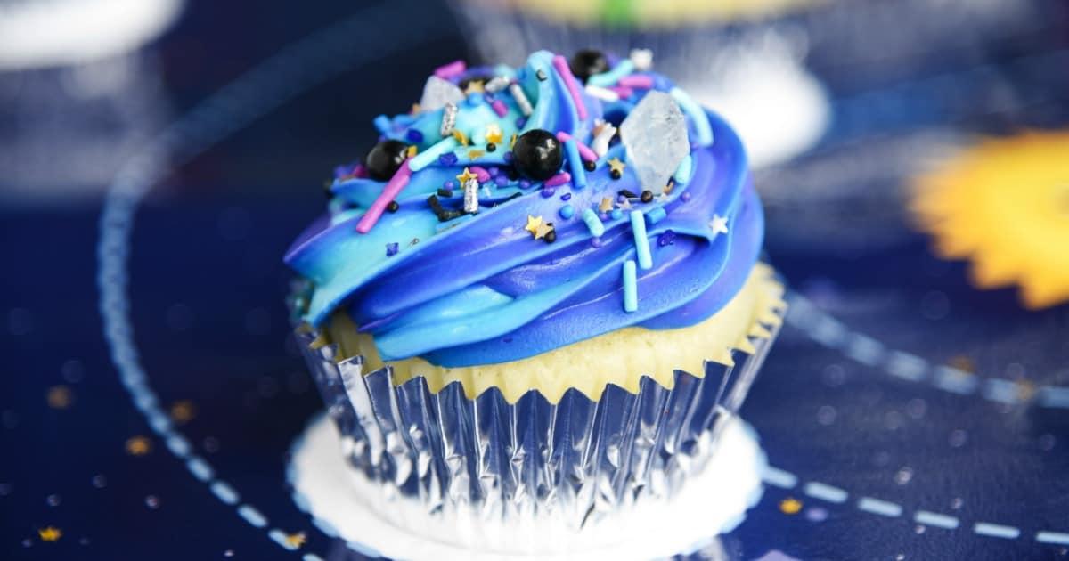 Easy Galaxy Cupcakes
