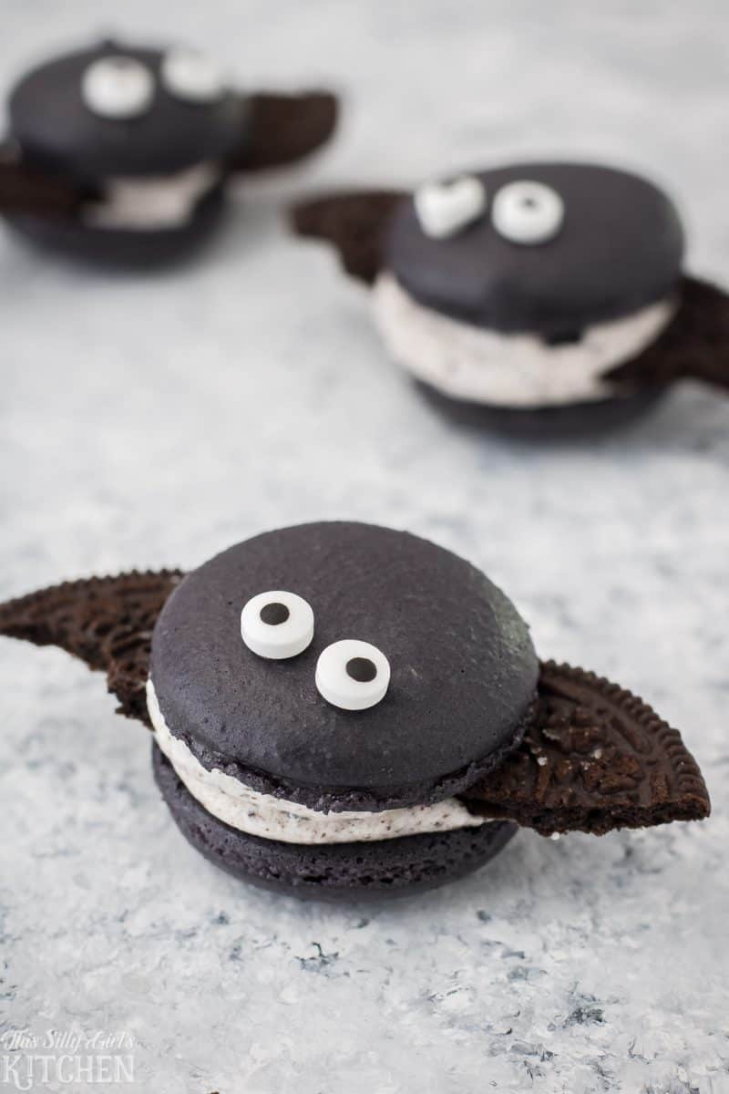 Cookies and Cream Macaron Bats