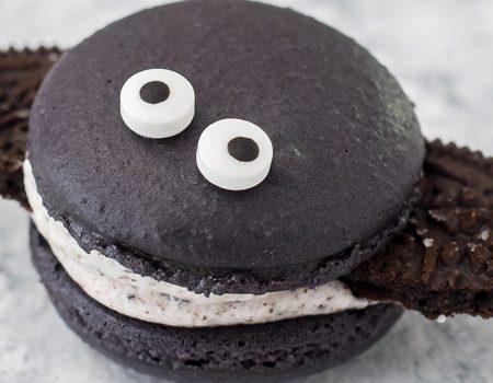 Cookies and Cream Macaron Bats – 30 Days of Halloween 2017: Day 29
