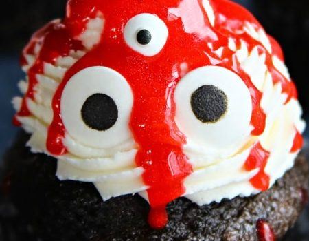 Ghoulish Monster Halloween Cupcakes – 30 Days of Halloween 2017: Day 12