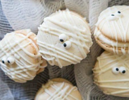 Mummy Macs {Vanilla Bean French Macarons}