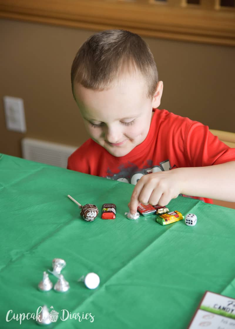 The kids are going to love playing this Football Candy Dice Game during the Super Bowl or at a football themed birthday party!