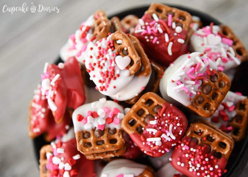 Valentine's Day Caramel Pretzel Bites are the perfect way to share the love this holiday! They're salty, sweet, and so delicious.