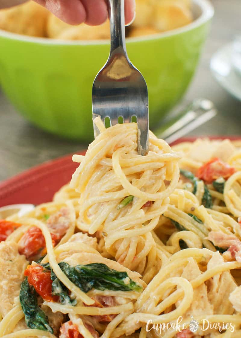 Bring the flavors of the Italian countryside to your kitchen with Tuscan Chicken Pasta! It's so delicious and tastes like it came from a restaurant.