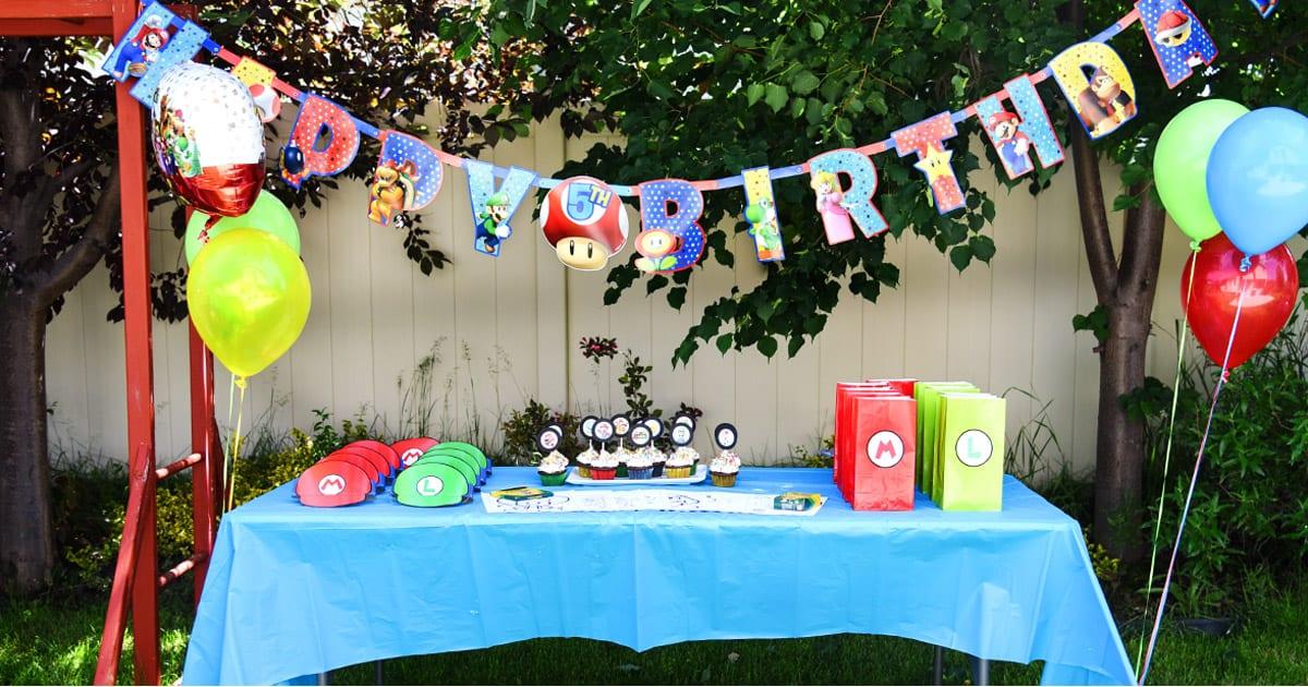 & Super Mario Bros. Birthday Party with Free Printables