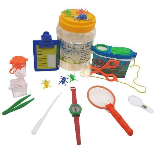 The kids will love catching bugs with their very own bug catcher kit! Perfect gift for a summer birthday.