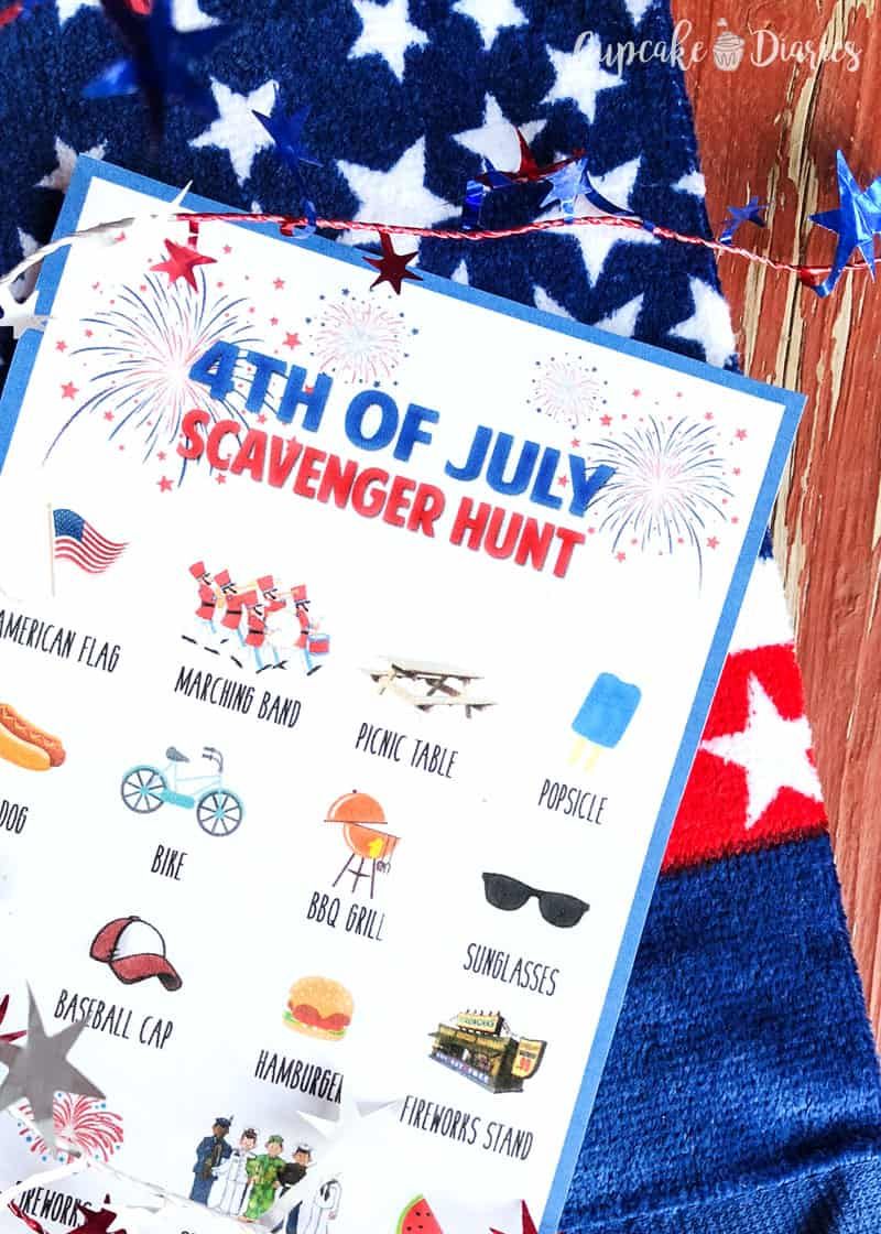Scavenger hunts are so fun for kids! They're going to love this Fourth of July version.