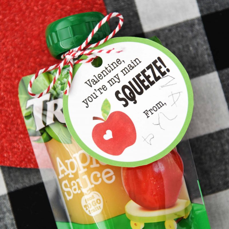 Applesauce Valentines - So easy to put together and perfect for young kids!