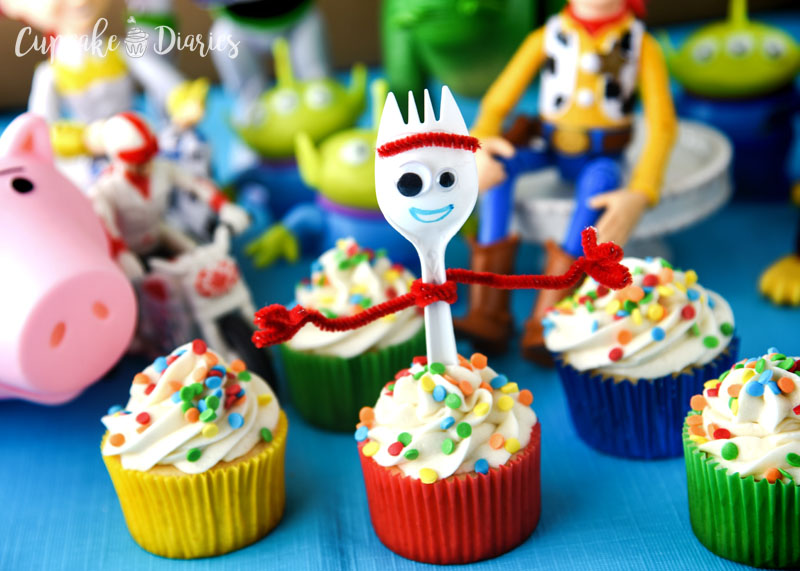Every birthday party needs a dessert! These Forky Cupcakes are just the right treat for a Toy Story 4 party. So cute, fun, and easy!