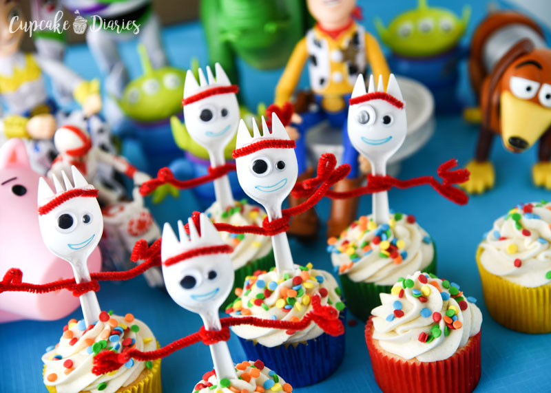 Forky Cupcakes - This Toy Story 4 recipe is the perfect dessert for a party! So easy and fun!
