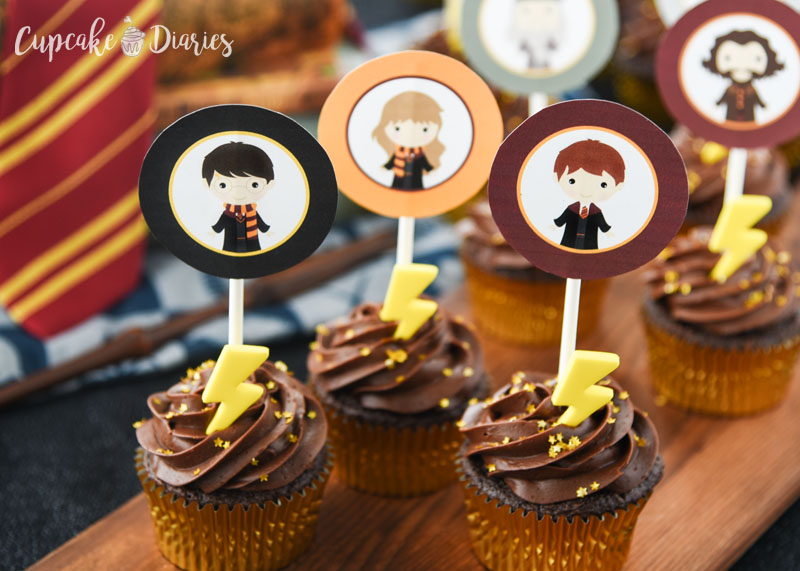 Harry Potter Cupcakes with Printable Toppers - Perfect for a Harry Potter party of any kind!